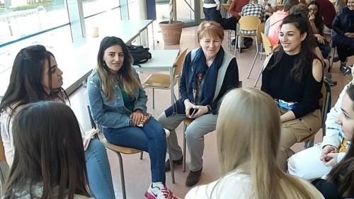 Diskussion mit Schülerinnen der Minerva-Schule