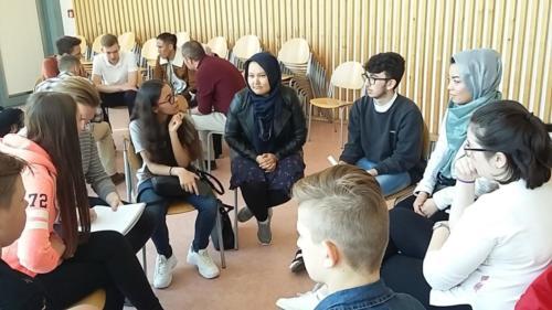 Diskussion mit Schülern der Minerva-Schule